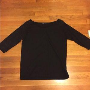 GAP black top W/ lace sleeves